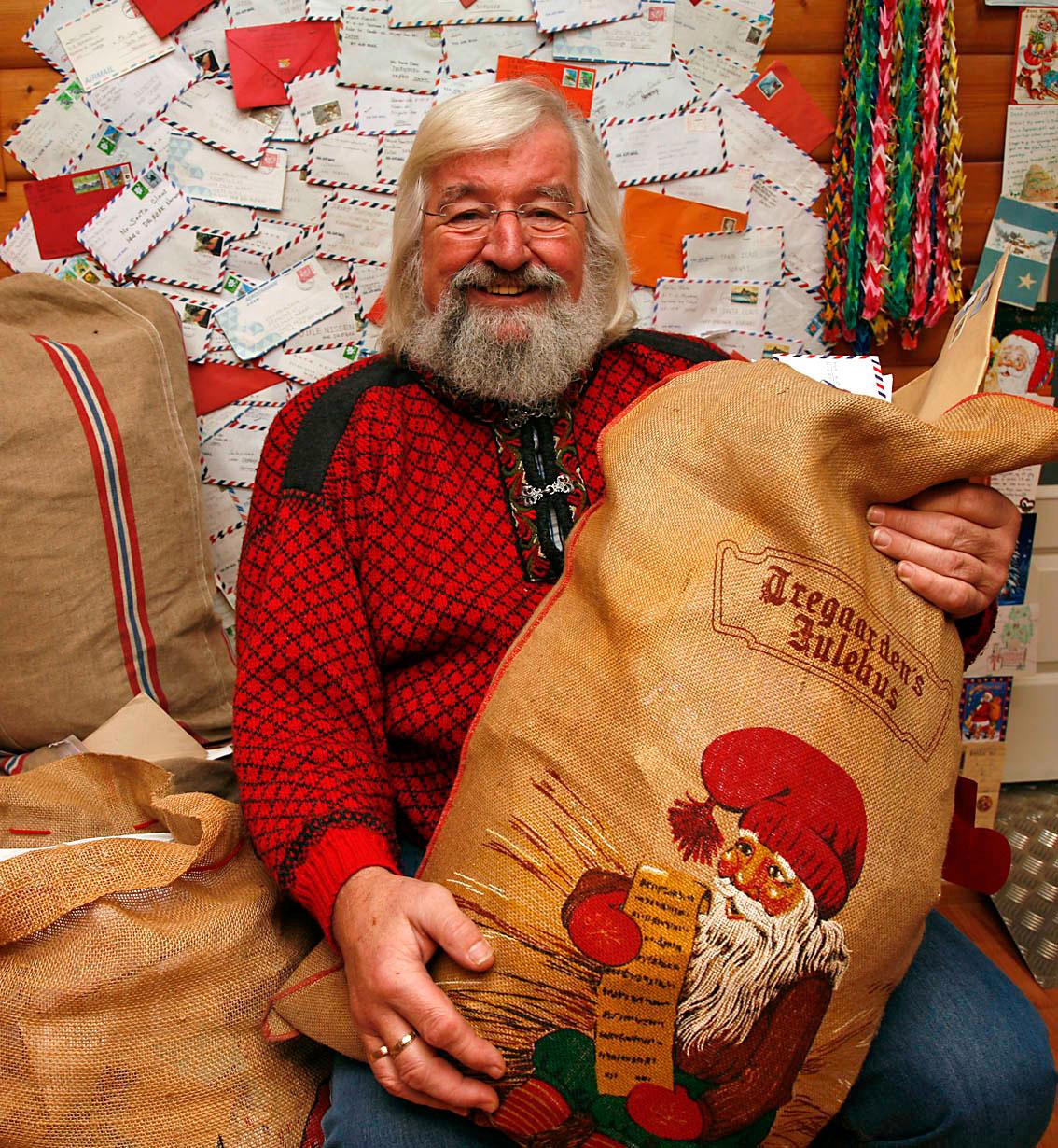 Bildet av Julenissen og tekst om Julenissens postkontor er hentet fra: www.visitdrobak.no/