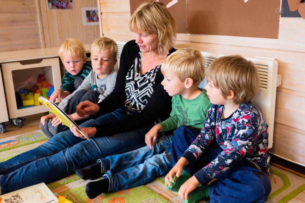 Høytlesing for barnehagebarn