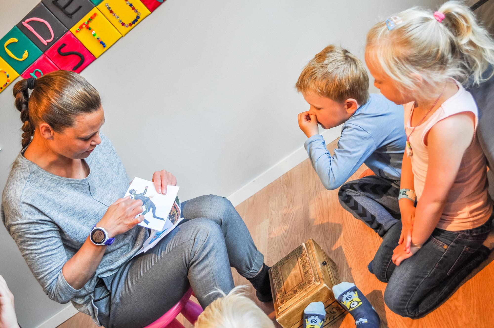 Lesestund i barnehagena